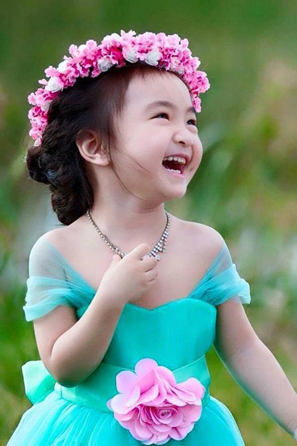 Nụ cười tươi tắn của cô bé. (Ảnh: Internet)