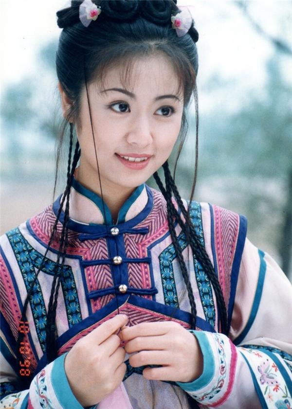 Nhan sắc tứ đại mĩ nhân Hoàn Châu Cách Cách thay đổi ra sao sau 16 năm