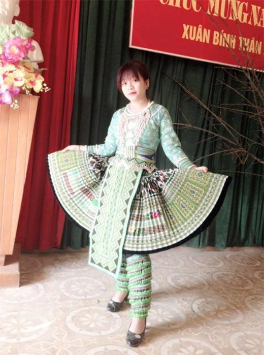 Thiếu nữ H'Mông và 5 năm biến hình từ lọ lem thành hot girl