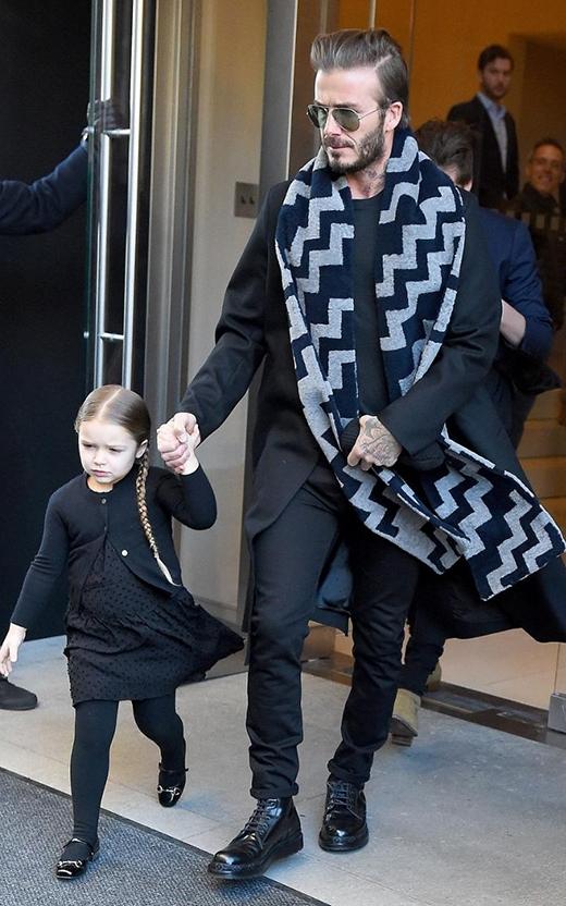 Harper Beckham trước buổi trình diễn thời trang Victoria Beckham AW16 ở New York, tháng 2/2016. (Ảnh: Internet)