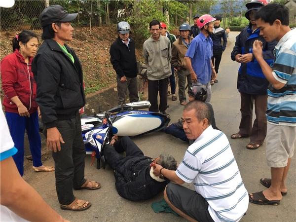 Xe Akira Phan gặp nạn trên đường lưu diễn miền Trung - Tin sao Viet - Tin tuc sao Viet - Scandal sao Viet - Tin tuc cua Sao - Tin cua Sao