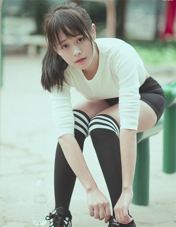 Nhiều người nhận xét Vân Anh có nét đẹp hoàn hảo đến từng chi tiết. Gương mặt, vóc dáng và nhất là ánh mắt của cô nàng 9xkhiến người xung quanh không thể rời mắt. (Ảnh: Internet)