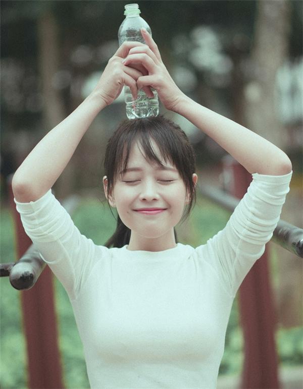 Nụ cười rạng rỡ và ấm áp của Vân Anh. (Ảnh: Internet)