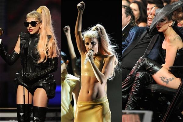 """Trên nhiều thảm đỏ khác, Lady Gaga cũng từng """"dọa ma"""" khán giả, giới truyền thông với những bộ cánh cùng tông trang điểm khó hiểu."""