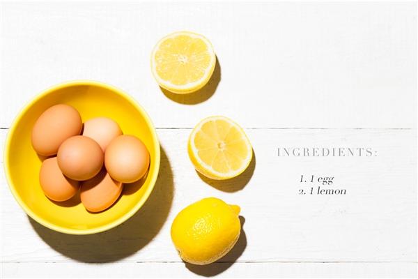 Chanh tươi và lòng trắng trứng có thể giúp bạn ngăn ngừa mụn hiệu quả. (Ảnh: Internet)