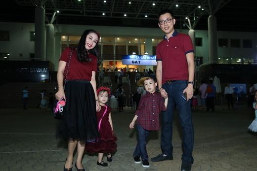 Ốc Thanh Vân rút ngắn ngày quay tại Hà Nội để bay về kịp tham dự show cùng cả nhà - Tin sao Viet - Tin tuc sao Viet - Scandal sao Viet - Tin tuc cua Sao - Tin cua Sao