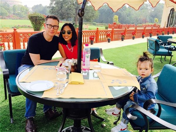 Đoan Trang thích thú trải nghiệm Ấn Độ cùng chồng Tây và con gái - Tin sao Viet - Tin tuc sao Viet - Scandal sao Viet - Tin tuc cua Sao - Tin cua Sao