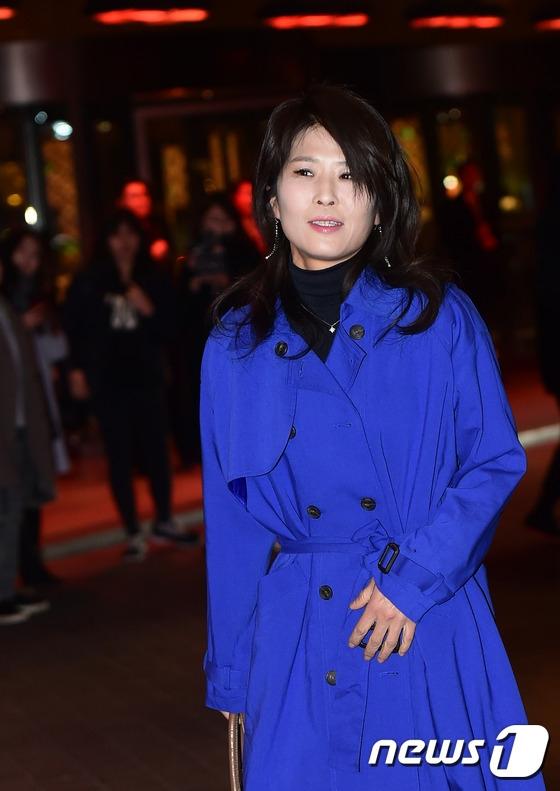 Chắc hẳn khán giả vẫn còn nhớ Hwang Suk Jung - nữ diễn viên thủ vai tổng biên tập kì lạ của tạp chí The Most trong She Was Pretty.
