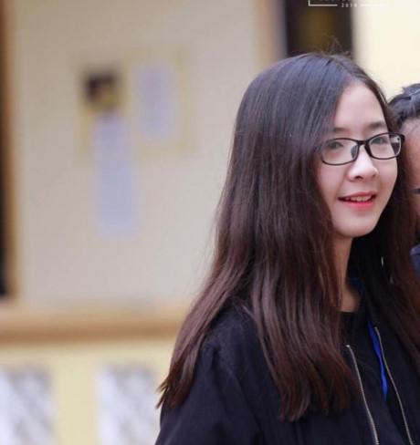 Nguyễn Hiền Trang từ lớp 10 chuyên Nga với khuôn mặt bầu bĩnh, đáng yêu. (Ảnh: Internet)