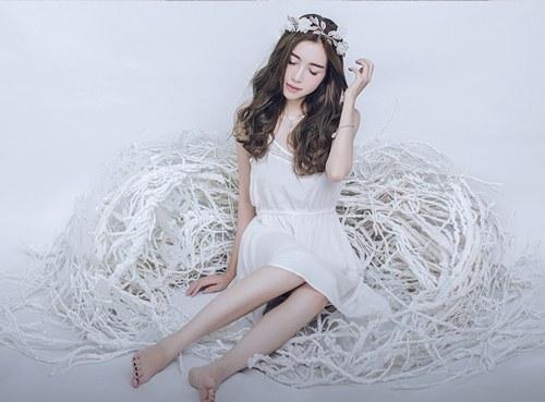 Elly Trần nhẹ nhàng và lãng mạn với phong cách tối giản - Tin sao Viet - Tin tuc sao Viet - Scandal sao Viet - Tin tuc cua Sao - Tin cua Sao