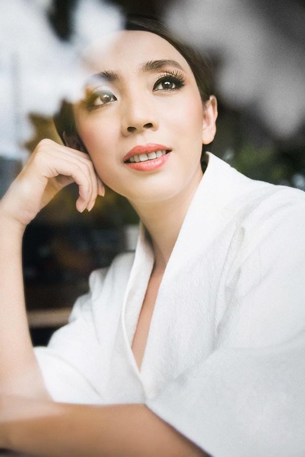 Hoa hậu hài Thu Trang gây sốc với hình ảnh bất thường - Tin sao Viet - Tin tuc sao Viet - Scandal sao Viet - Tin tuc cua Sao - Tin cua Sao