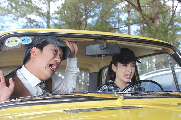 Những cảnh quay đều do Angela Phương Trinh thực hiện và không sử dụng diễn viên đóng thế. - Tin sao Viet - Tin tuc sao Viet - Scandal sao Viet - Tin tuc cua Sao - Tin cua Sao