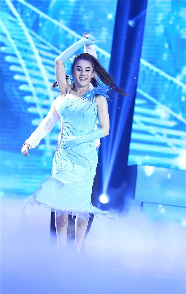 Sau tuần mở màn ấn tượng bằng hình tượng công chúa tóc mây, Lâm Chi Khanh tiếp tục thừa thắng xông lên với vai diễn tương tự. - Tin sao Viet - Tin tuc sao Viet - Scandal sao Viet - Tin tuc cua Sao - Tin cua Sao