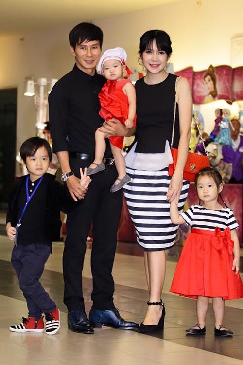 Nhiều gia đình nghệ sĩ háo hức tham dự sự kiện này.