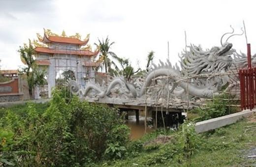 Đền thờ Tổ trăm tỷ của Hoài Linh - Tin sao Viet - Tin tuc sao Viet - Scandal sao Viet - Tin tuc cua Sao - Tin cua Sao