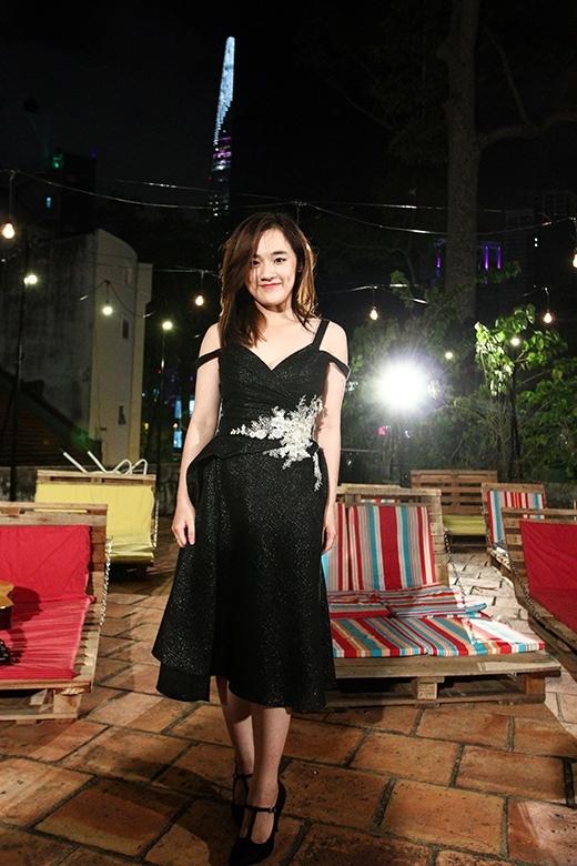 Quỳnh Như được Một Ngày Mới tút tát và mang đến một buổi hẹn ngọt ngào nhẹ nhàng như phim Hàn Quốc tại rạp chiếu phim ngoài trời
