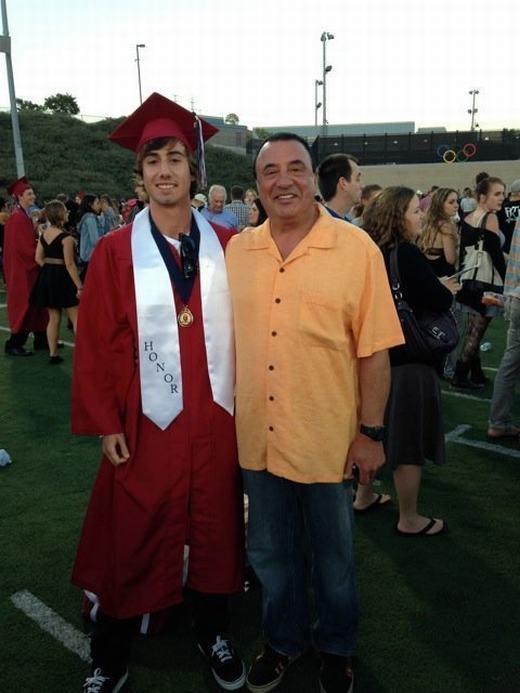 Hình ảnh được chụp nhân ngày tốt nghiệp của Eric. (Ảnh: Huffington Post)