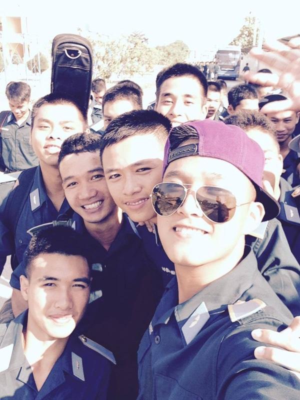 Soái ca quân nhân phiên bản Việt: Từ công tử bột đến chàng lính siêu đẹp trai, nam tính