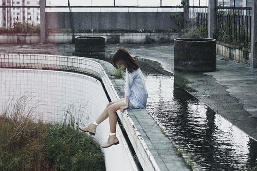 Phía sau vẻ ngoài không cảm xúc của con người này chính là một trái tim ấm áp và lãng mạn.(Ảnh: Ngọc Nhi)