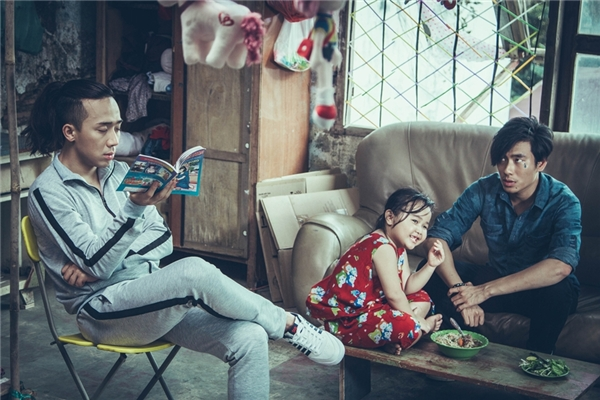 Nắng cũng có sự tham gia của những ngôi sao đình đám làng giải trí Việt như Trấn Thành, Kiều Minh Tuấn,…