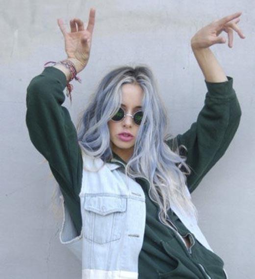 """Sau trào lưu tóc cầu vòng hay tóc phát quang thì giờ đây cộng đồng Instagram đang phát điên phát cuồng với mốt """"tóc denim"""".(Ảnh: Internet)"""