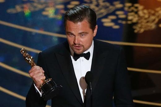 Leo gửi lời cảm ơn chân thành đến các khán giả tại khán phòng và các đồng nghiệp trong đoàn làm phim. (Ảnh: Internet)