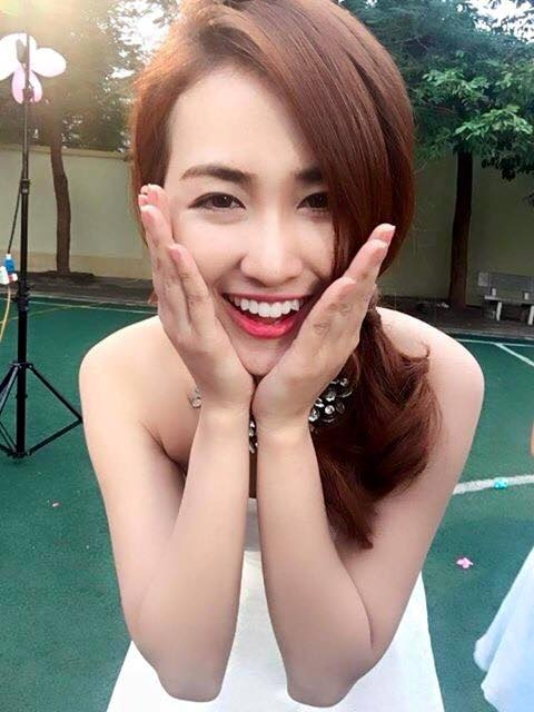 Niềm vui lớn nhất của Trang Moon là giờ đây, ngoài những chương trình biểu diễn tại các bar nhạc, cô nhận được nhiều lời mời tham dự các chương trình event, biểu diễn ca nhạc ngoài trời của các nhãn hàng lớn, âm nhạc.