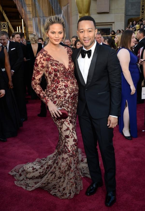 Vợ chồng John Legend và Chrissy Teigen