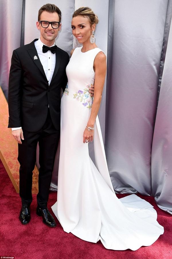 Brad Goreski và Giuliana Rancic - hai ngôi sao dẫn chương trình về lễ trao giải của hãng tin E!