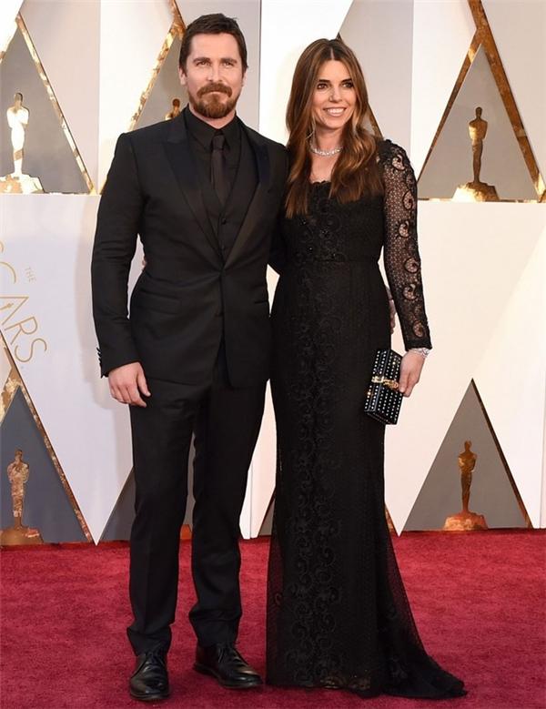 Vợ chồng Christian Bale và Sibi. Với vai diễn trong The big shot, Christian Bale được đề cử Nam diễn viên phụ xuất sắc cùng Tom Hardy, Mark Ruffalo, Mark Rylance và Sylvester Stallone.