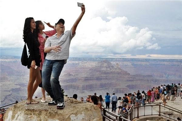Chụp ảnh ở nơi nguy hiểm có thể gây thiệt mạng. (Ảnh: Internet)