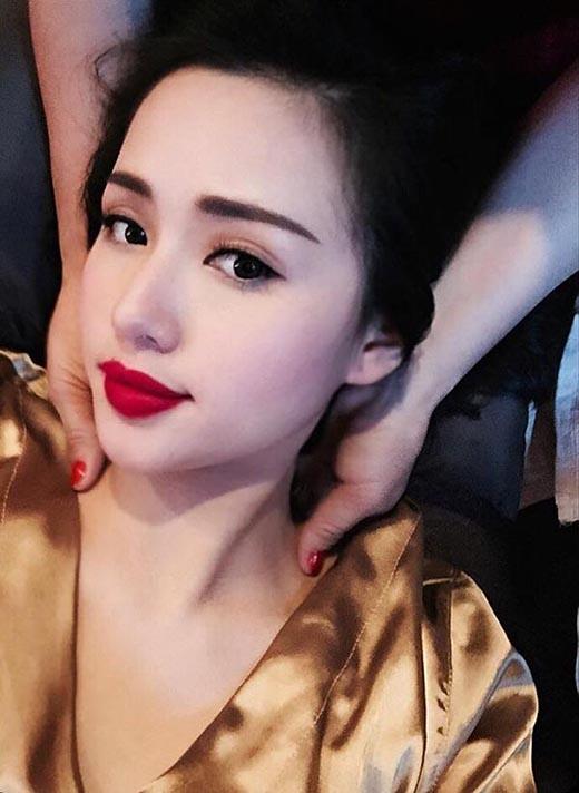 Từ đó, rũ bỏ hoàn toàn hình tượng trẻ trung, trong sáng, Tâm Tít ngày càng ưa chuộng phong cách thời trang khoe những đường cong trời phú của mình. (Ảnh: Internet) - Tin sao Viet - Tin tuc sao Viet - Scandal sao Viet - Tin tuc cua Sao - Tin cua Sao