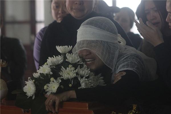 Vụ tai nạn xe Camry: Đau đớn tâm thư của người mẹ mất con