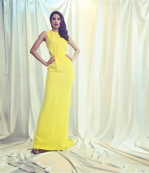 Hoa hậu Hoàn vũ Việt Nam 2015 cực kì quyến rũ, thu hút.