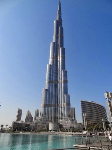 Tỷ phú Raj Kundra tặng căn hộ trên tầng 19 tại tòa tháp cao nhất thế giới ở Dubai cho bà xã.