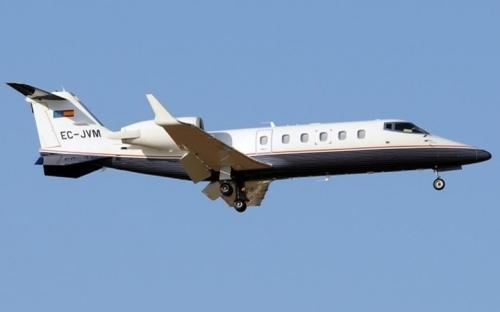 Chiếc phi cơ A-319 là món quà sinh nhật mà tỷ phú Mukesh Ambani tặng vợ.