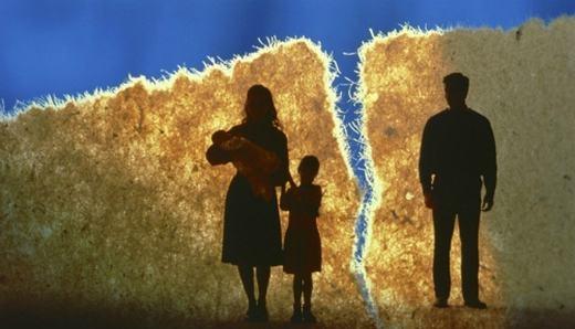  Nếu làm chia rẽ gia đình hợp pháp, người ngoại tình sẽ phải ngồi tù. (Ảnh: Internet)
