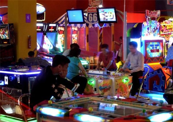 """Hiện nay, trò chơi bắn cá không chỉ dành cho trẻcon giải trí mà người lớn cũng chơi chúng như một loại """"cờ bạc trá hình"""". (Ảnh minh họa - Nguồn Internet)"""