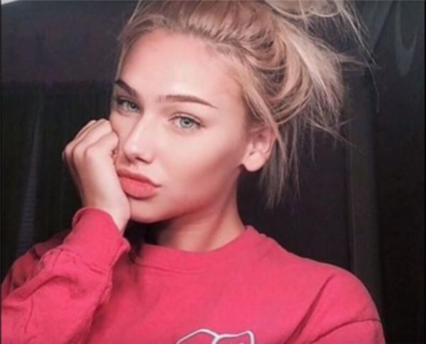 """Tất tần tật lí do giúp cô nàng 14 tuổi này là """"nữ thần Instagram"""""""