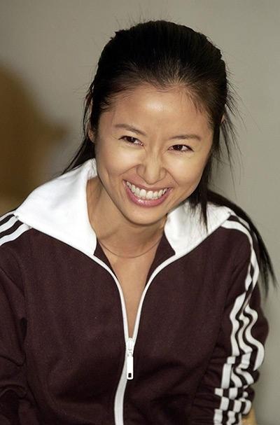 Năm 2003, da Lâm Tâm Như khá đen nhưng nụ cười rạng rỡ quen thuộc của cô vẫn khiến nhiều người cảm thấy ấm áp.