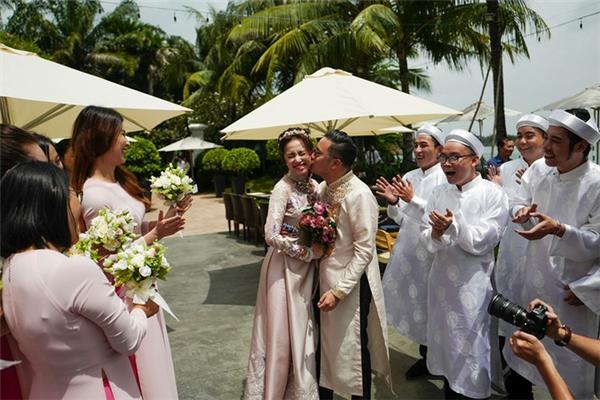 Hé lộ hình ảnh đầu tiên về thiệp cưới của Victor Vũ, Đinh Ngọc Diệp - Tin sao Viet - Tin tuc sao Viet - Scandal sao Viet - Tin tuc cua Sao - Tin cua Sao