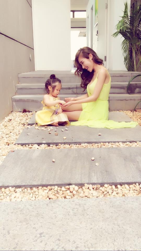 """Những giây phút bình yên bên """"công chúa nhỏ""""... - Tin sao Viet - Tin tuc sao Viet - Scandal sao Viet - Tin tuc cua Sao - Tin cua Sao"""