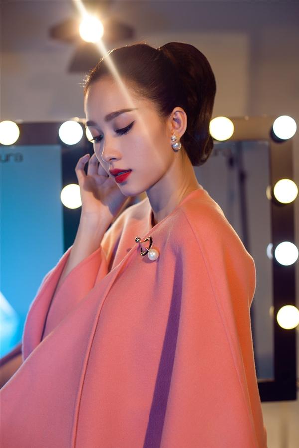 Chính gu thời trang đỉnh cao cùng hình ảnh sạch trong suốt những năm qua đã giúp Thu Thảo lọt vào mắt xanh của nhiều thương hiệu thời trang danh tiếng. Vào đầu năm nay, Hoa hậu Việt Nam 2012 chính thức trở thành gương mặt đại diện, đại sứ cho một thương hiệu lớn trong nước.