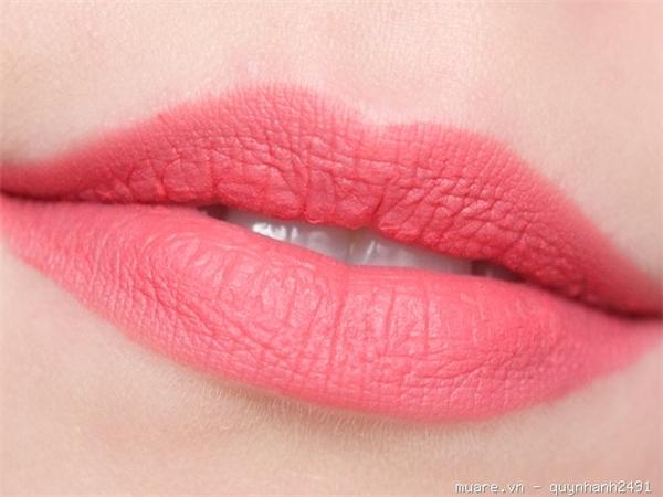 Hãy mạnh dạn thử những màu son khác nhau khi bạn sở hữu làn da trắng hồng. (Ảnh: sưu tầm)