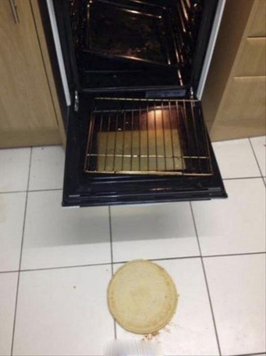 Chọc giận vợ là một việc làm ngu ngốc nhất trên đời. (Ảnh: Internet)   Đây là cái bánh duy nhất có thể cứu vớt cơn đói của bạn. (Ảnh: Internet)   Chờ người, chờ đến đóng băng. (Ảnh: internet)