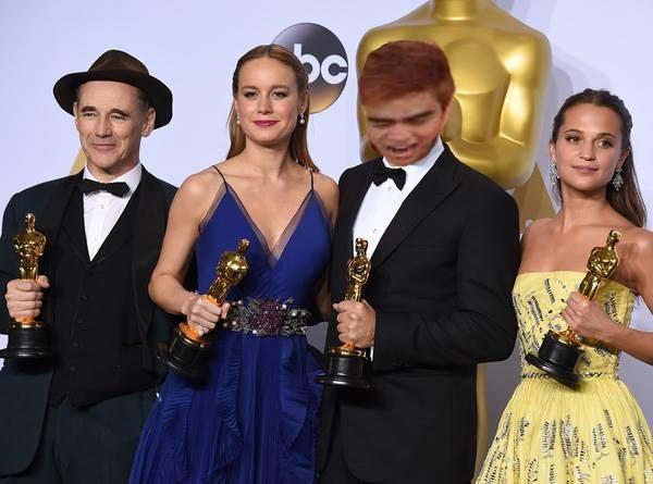 Biểu cảm thật sự của Leonardo DiCaprio lúc ấy nhất định là thế này đây.