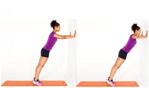 Động tác chống đẩy vào tường giúp tăng size vòng 1