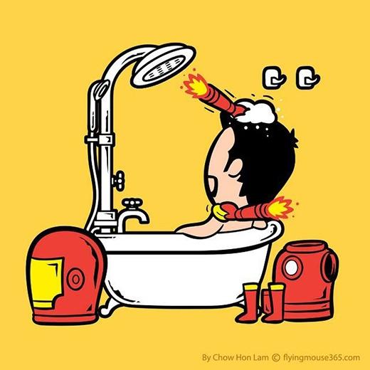 Người Sắt có hai cánh tay đắc lực nên khi tắm chẳng cần động một ngón tay. (Ảnh: Chow Hon Lam)