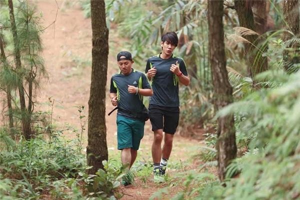 Tiến Đạt – Lincolncũng lựa chọn cách tương tự là chạy bộ để luyện sức bền. - Tin sao Viet - Tin tuc sao Viet - Scandal sao Viet - Tin tuc cua Sao - Tin cua Sao