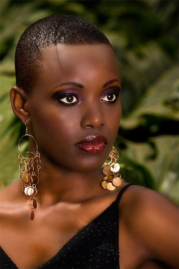 8. Á hậu 2 Hoa hậu Quốc tế 2015 - Eunice Onyango (Kenya) - 4.227 - Tin sao Viet - Tin tuc sao Viet - Scandal sao Viet - Tin tuc cua Sao - Tin cua Sao